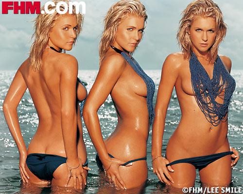 s型美女海滩半裸 醉人眼波如梦如幻组图