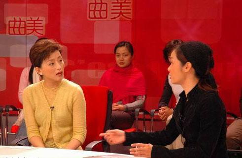 ...演绎的离婚故事在大江南北的各个电视台轮番热播,《中国式离