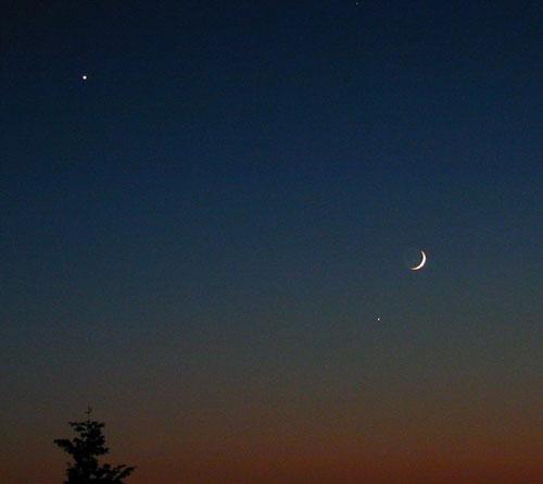 木星和月亮同时出现