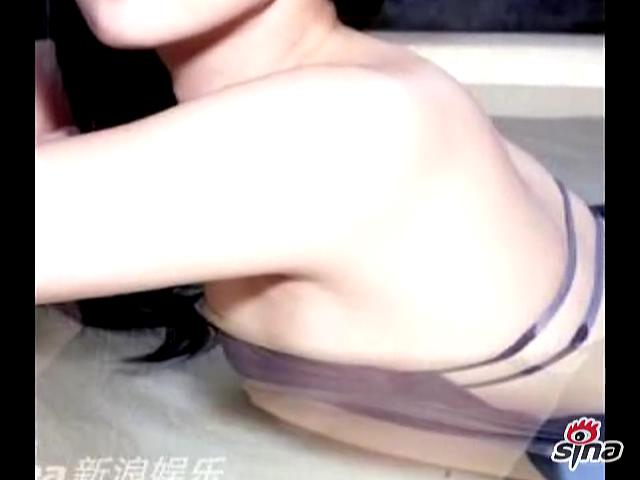 视频深田恭子巴厘岛拍写真