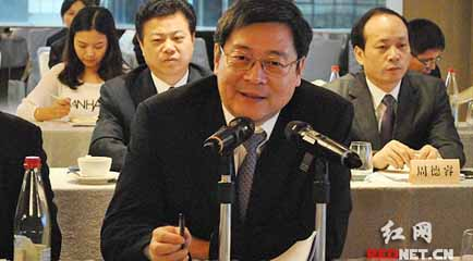 杜家毫与香港工商界知名人士坦诚交流