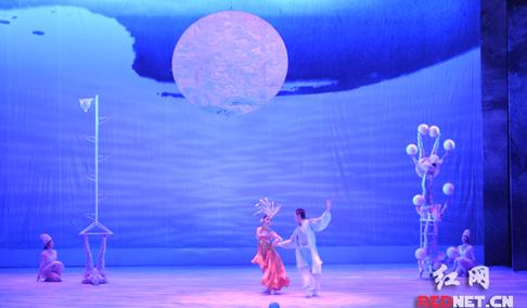 杂技剧《梦之旅》亮相湖南艺术节 首次用杂技讲故事
