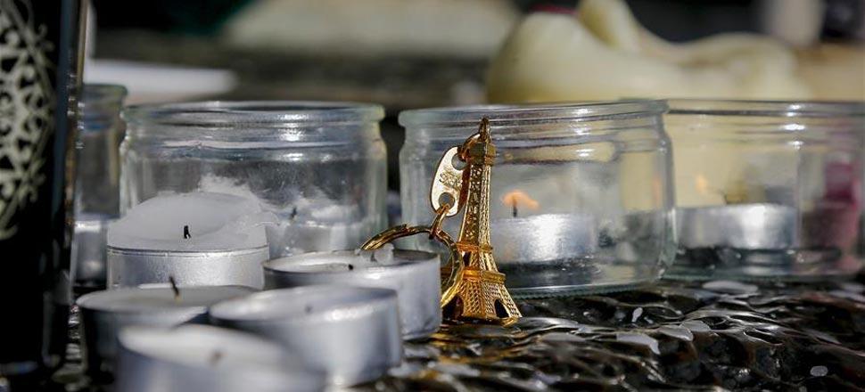 巴黎:大量民众悼念袭击遇难者(高清组图)