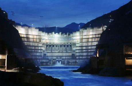 中国水电八局刷新300米级高拱坝浇筑记录