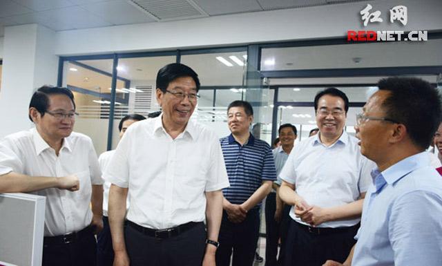 徐守盛:推进长株潭核心增长极建设关键是深化供给侧改革