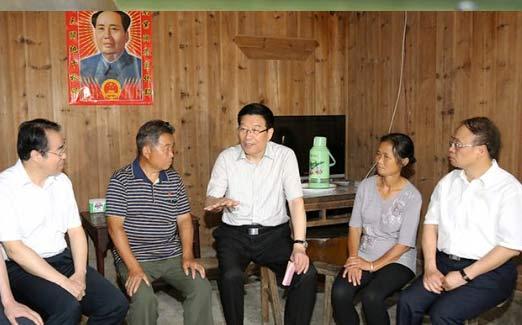 Secretary Xu Visits Senior Party Members