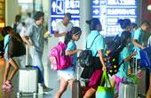 学生流叠加旅游流 长沙暑运客流进入高峰期