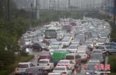 山西太原遭遇暴雨袭城 交通堵塞严重(图)