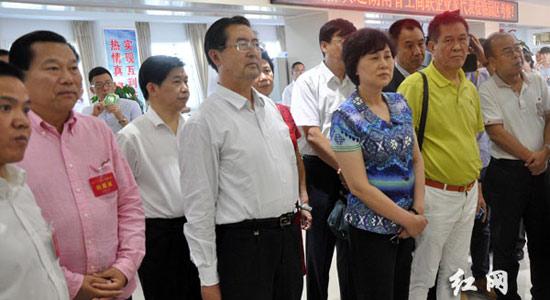黄兰香考察新疆兵团乌鲁木齐工业园区 加强合作