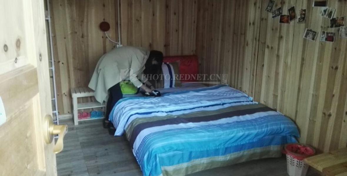 湖南师大学生入住村民自家房屋改造的艺术客栈。