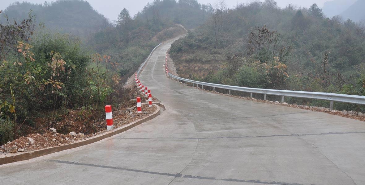 双合村旅游黄金大道一期工程已经完工。