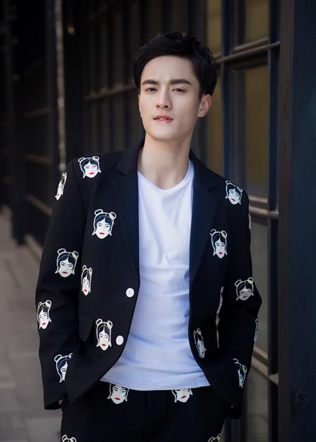 《猎金风暴》热拍 陈俊杰:方博是一个酷酷的角色