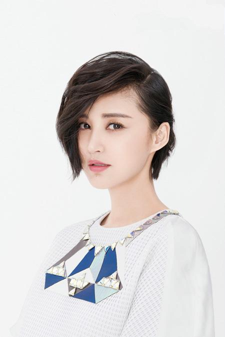 张歆艺讲述与中国版《鬼乡》的缘分 力荐电影《二十二》