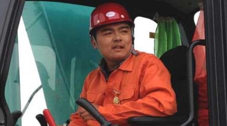 """刘二伟:交通运输行业里的""""铁臂巧手"""""""