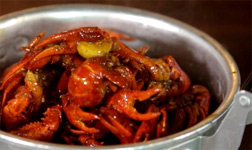 Snacks in Changsha City: Hot and Spicy Crayfish