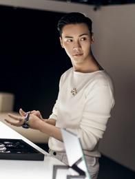 陈伟霆经典黑白极致魅力 新角色神秘充满挑战