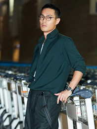 杨祐宁再访巴黎男装周演绎型男穿衣教科书