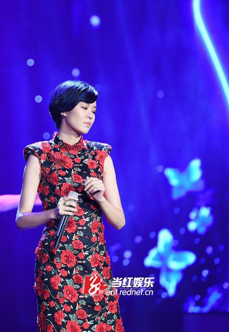 郁可唯献唱上影节 《绣花》演绎东方极致之美