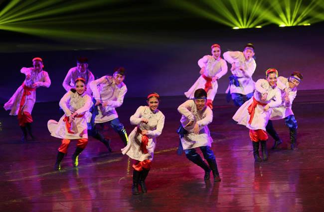 昭君文化节开幕 精彩民族舞蹈青城震撼上演