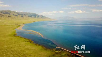 【时刻记者天山行】赛里木湖:看一眼就能住进心里