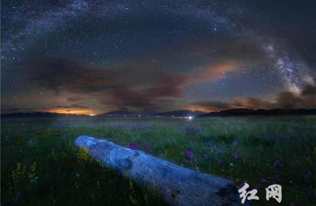 【时刻记者草原行】在内蒙看星空银河,看风吹草低见牛羊