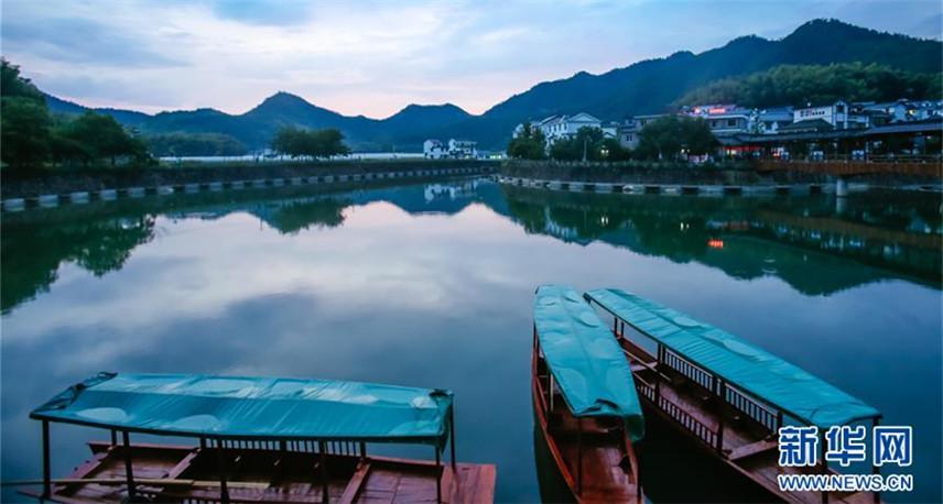 """从穷山沟到""""绿富美""""――浙江下姜村的绿色转变"""