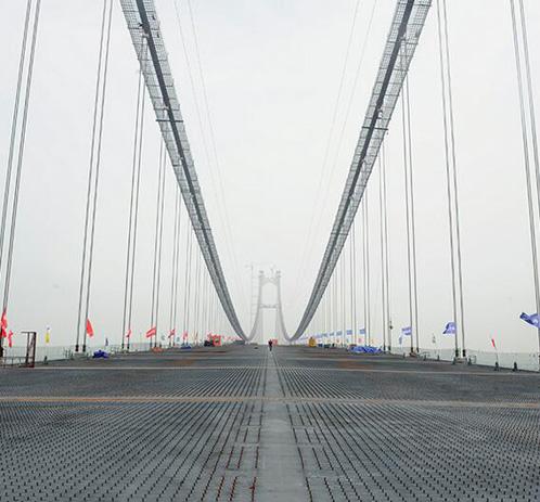 大岳高速洞庭湖大桥顺利合龙