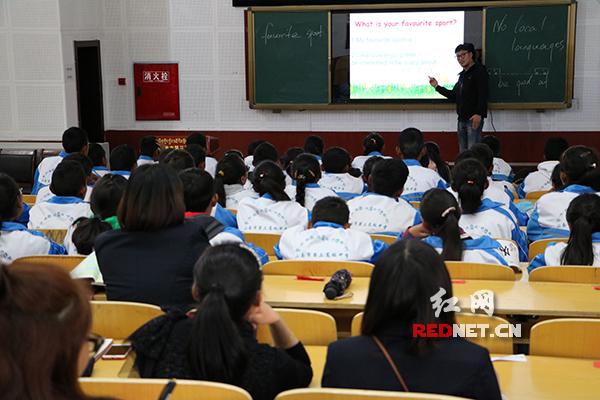 教育部新闻采访团集中采访湖南