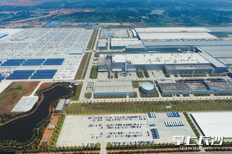 壮观的上海大众长沙工厂。