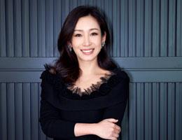 秦海璐出席品牌活动 黑色裙展魅力女人味
