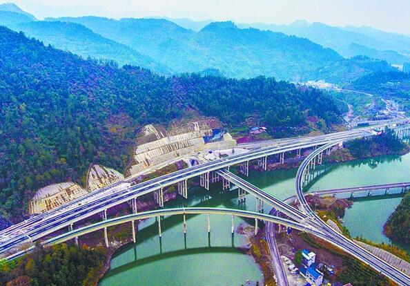 """永吉高速全线通车 创造多个""""国内首例""""和""""全省第一"""""""
