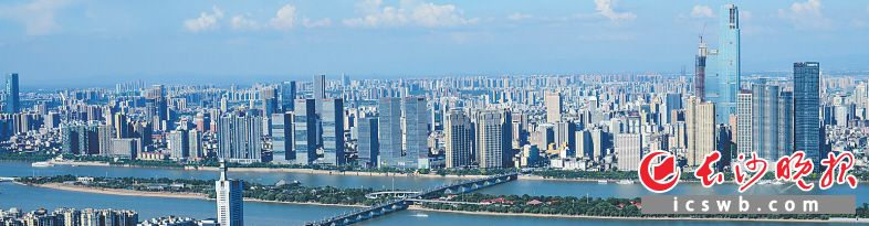2017年,长沙城管部门以民生项目建设为抓手,积极推进城市管理共建共享,空气质量和城市品质明显提升。 邹麟 摄