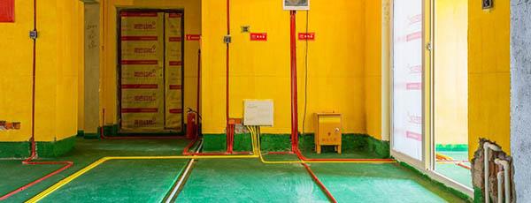 泥巴公社岳麓峰景工地:水电验收 先检查水路管线