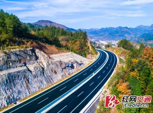 张桑高速公路建成通车 桑植县结束没有高速历史