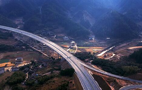 武靖高速建成通车 湘西南再添交通大动脉