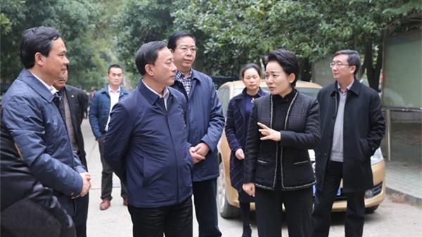 李晖:将学位建设作为2018年民生实事第一号工程来抓