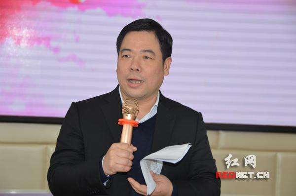 长沙市岳麓区教育局党委书记、局长李鸿:奋斗最养颜