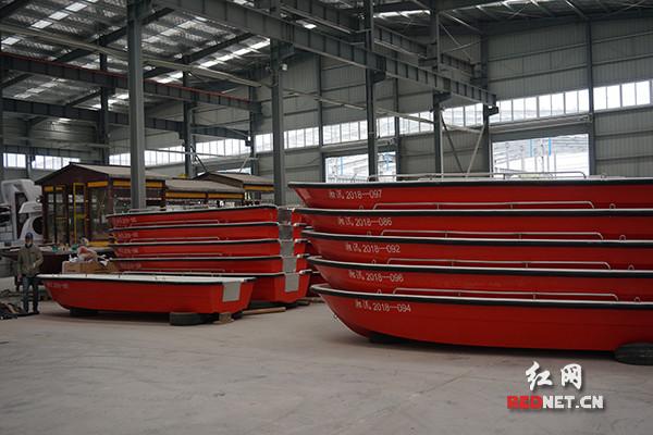 省防指赴湖北验收182艘玻璃钢防汛冲锋舟