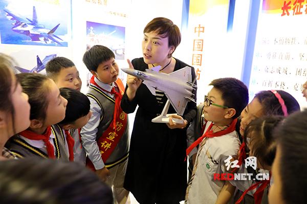 武陵区三岔路小学:开放国防教育展览馆 共筑中华强国梦