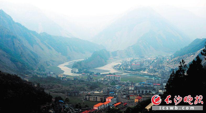 2009年5月,汶川特大地震一周年的北川老县城地震遗址。