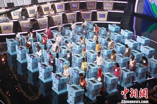 118国大学生湖南比拼汉语 全球30强诞生