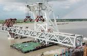中企承建孟加拉帕德玛大桥全桥首联钢梁架设完成