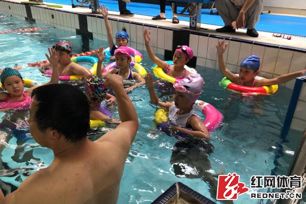 """长沙中小学生享受免费体育培训 快来了解清凉一""""夏"""""""