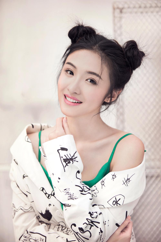 """《心乐餐厅》李晓恬杀青 甜美少女演绎""""有故事的女孩"""""""