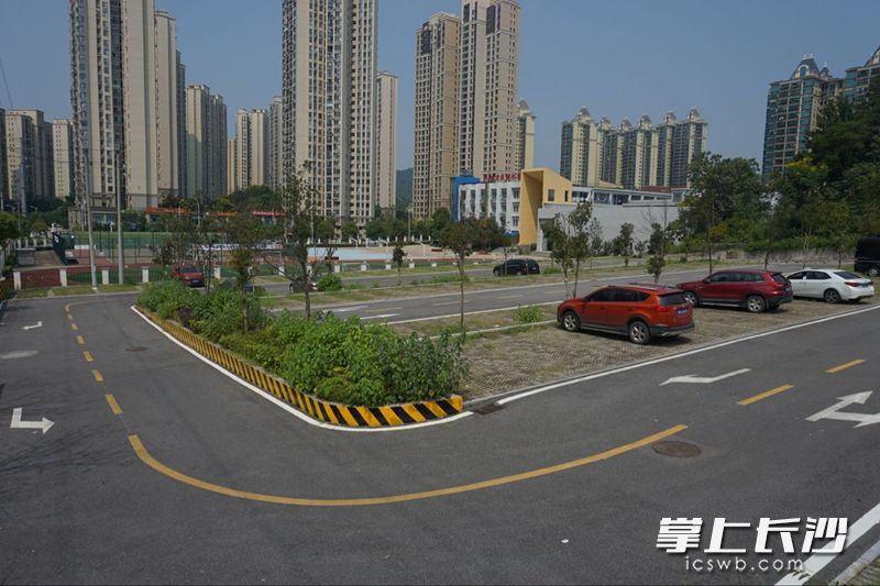 河西长沙今明两年少于不新增10838个停车位雒小学教师容图片
