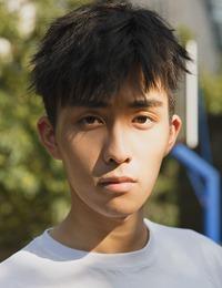 王钰威最新写真曝光 盐系少年展青春荷尔蒙