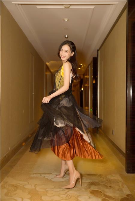 隋源出席时尚盛典 向电影幕后工作者致敬_娱乐频道_亚博