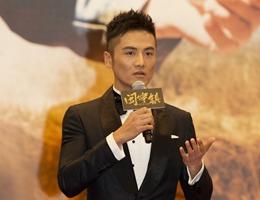 姬他电影《闽宁镇》首映 为还原人物负重50斤