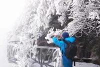 大雪节气天门山迎今冬首场雪