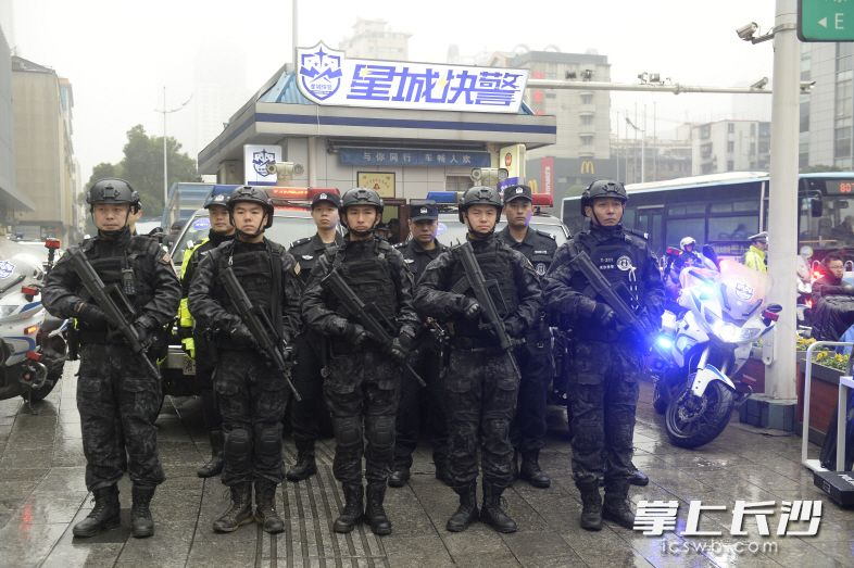 """长沙公安首批10座""""星城快警""""平台运行(图)"""